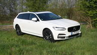 Test Volvo V90 Cross Country T6 Pro: Elegant über Stock und Stein