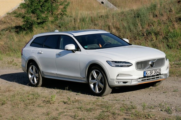 Bildergalerie: Test Volvo V90 Cross Country T5 AWD: Segelsport erobert die Straße